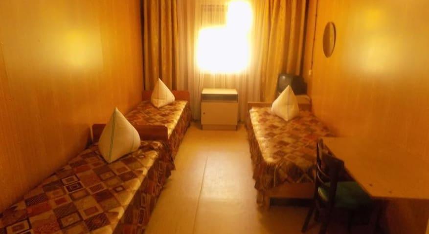 Койко-место в бюджетном номере - Peresyp' - ที่พักพร้อมอาหารเช้า