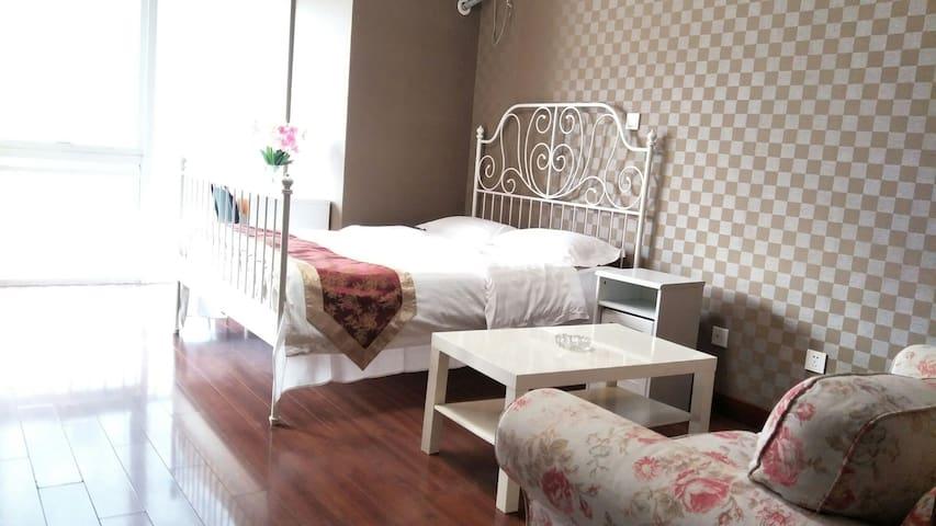 星海广场 星海大观  温馨大床房