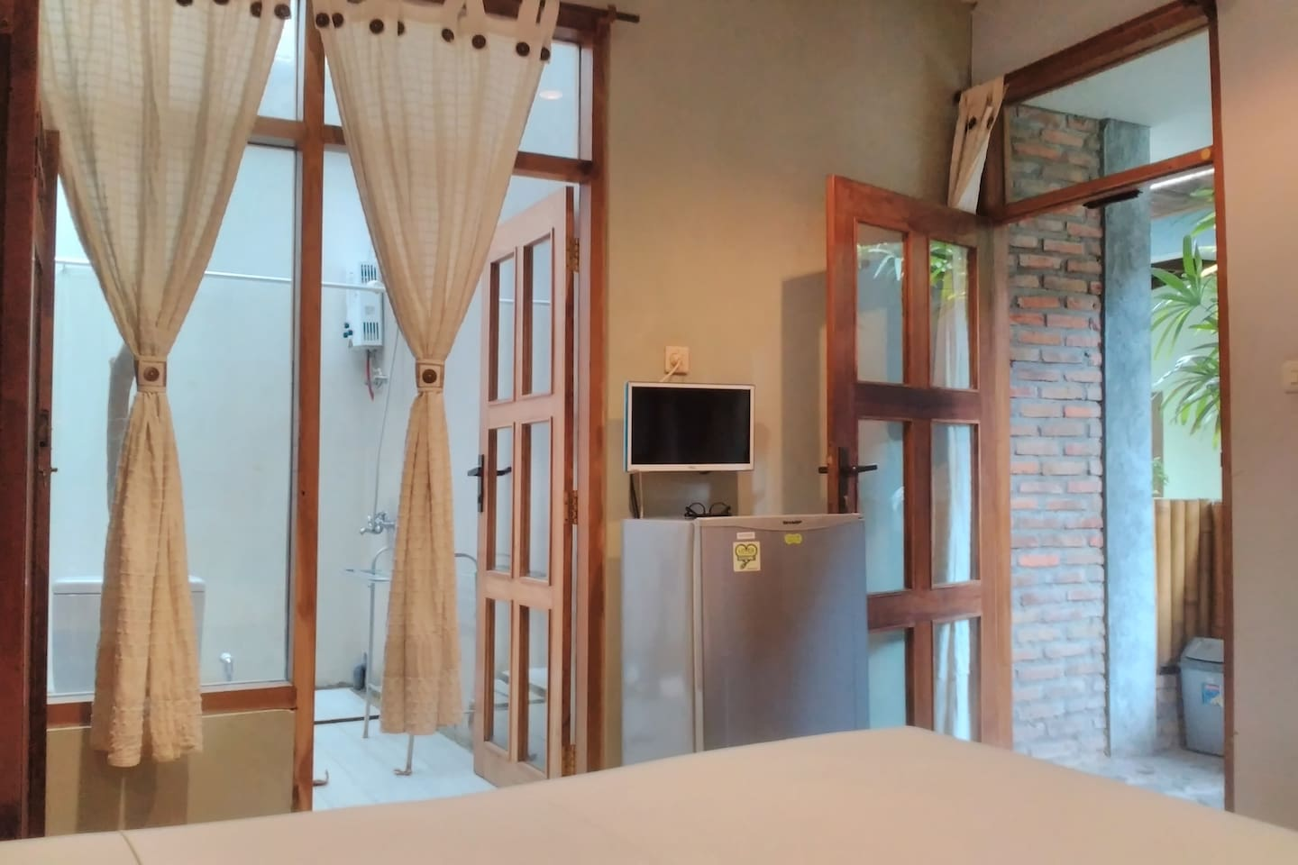 3 x 4 mt Room Dieng with attached 2 x 4mt open natural private bath room of Atmosudomo homestay