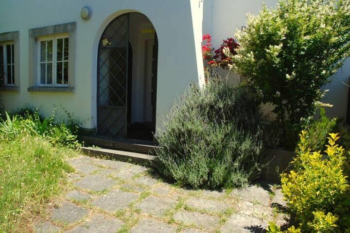 Cosy bedroom in Belém (double) - Lisboa - บ้าน