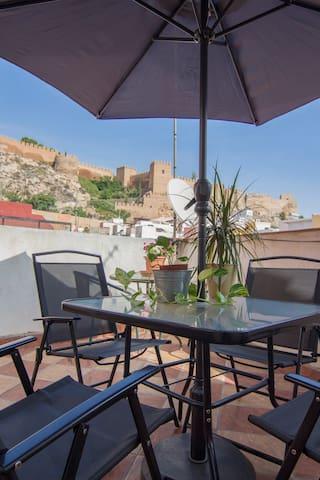 Casa nueva con wifi en el Casco Histórico - Almería - Dom