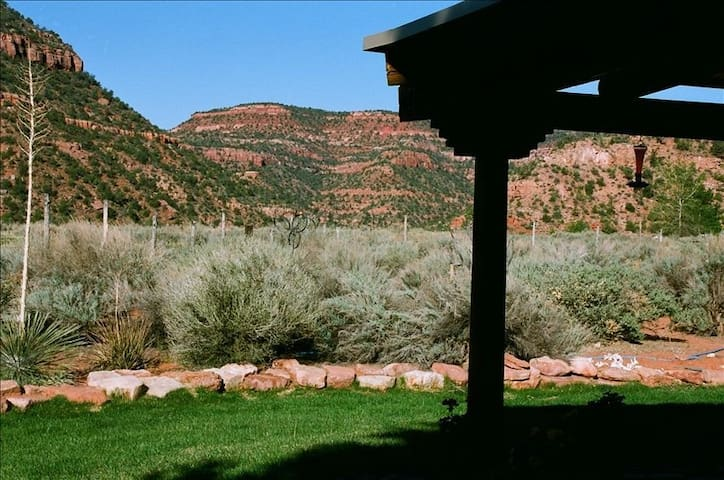Casita Mariana--High Desert Retreat