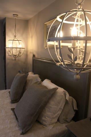 Très belle Suite insolite en Provence - Alleins - Hotel butikowy