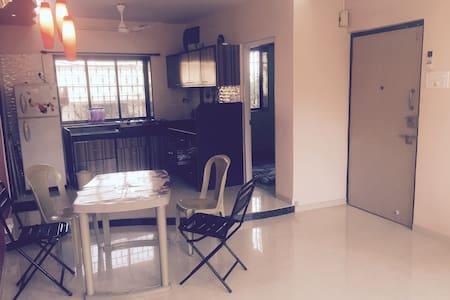 2 ROOM- BANDRA -BANDSTAND PRIVATE HEAVEN OF AN APT - Mumbai