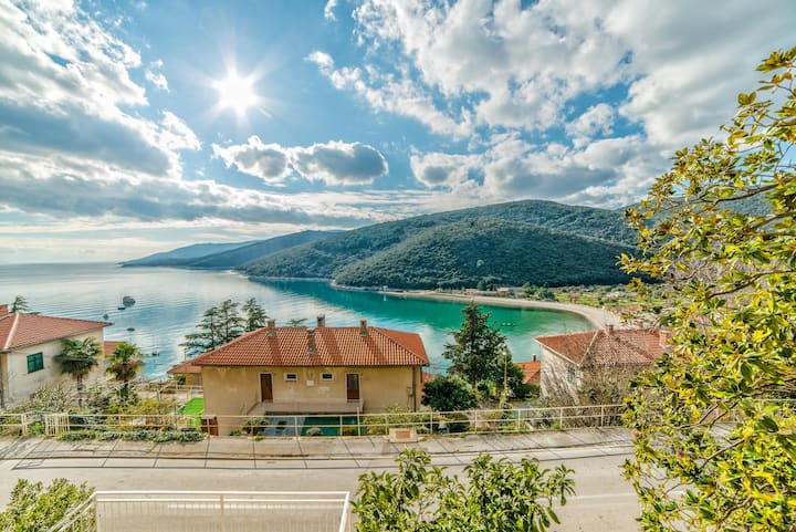 Apartments Poljak in Rabac near the beach / One Bedroom  Apartment Poljak A2 only 100m from the Beach