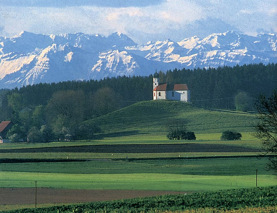 Bei Föhn Blick bis zu den Schweizer Alpern hinter dem Bodensee