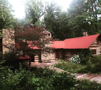 Majestic Old Hunter's Lodge - Winston-Salem - Blockhütte