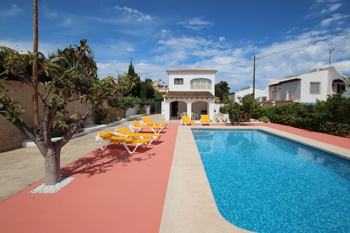 Tere - holiday home with private swimming pool in Calpe