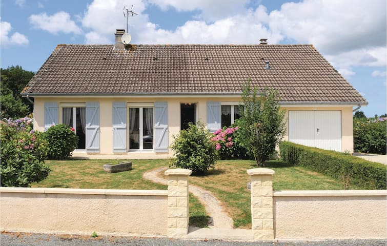 Holiday cottage with 5 bedrooms on 120m² in Chef du Pont