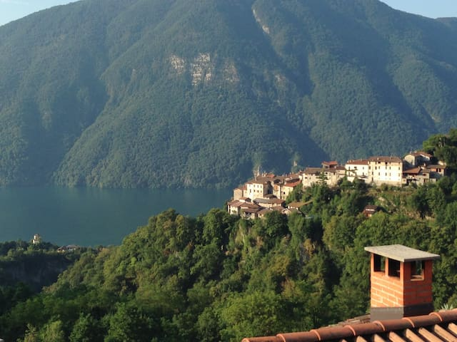 Lovely house on Lugano-Como Lake - Valsolda - Rumah