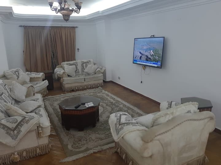 Luxurious Spacious 3BR 2Bath Flat in Central Cairo