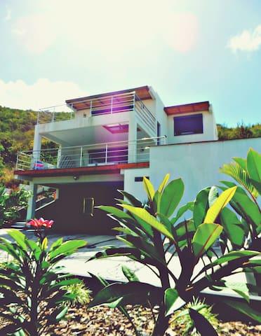 Studio vue mer ,terrasse 25m2 et piscine - Cole Bay - Daire