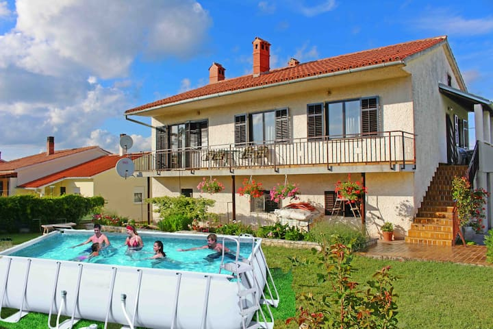 Apartment Mara with pool in a quiet place - Barban - Lägenhet