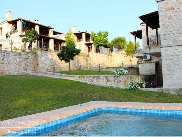 NEW picturesque home in Elani - Elani
