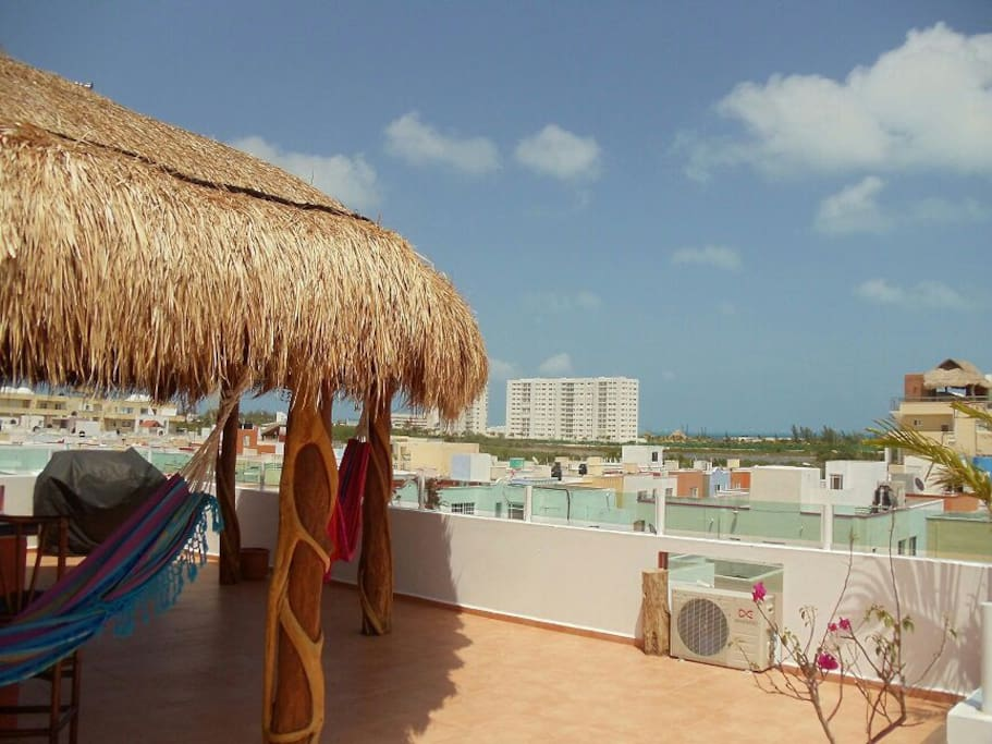 Beautiful views on the sun drenched papaya rooftop paradise.