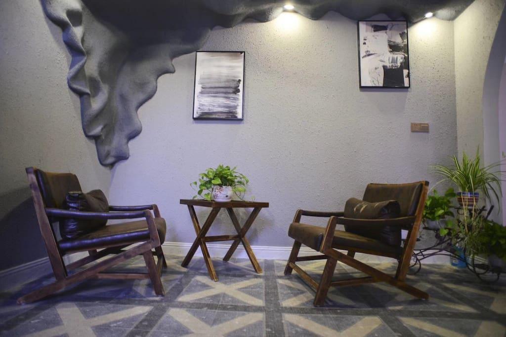 休闲区,可以斗斗地主,打打牌,喝喝茶,聊聊天。环境优雅