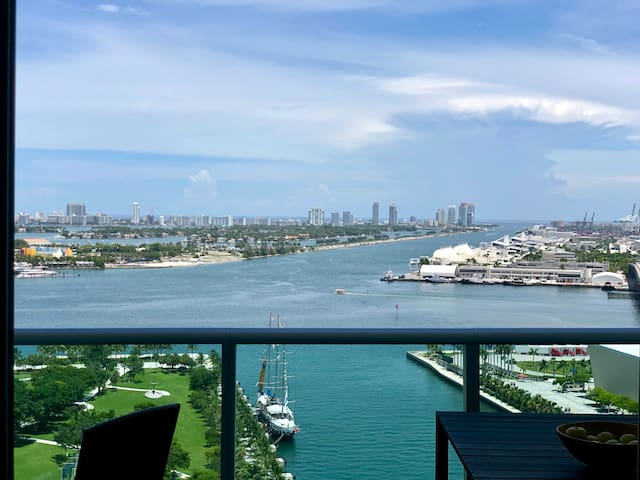 Luxury Apt downtown with Ocean View @ Downtown