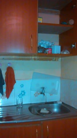 Has everything that apartment needs - Nairobi - Apartment