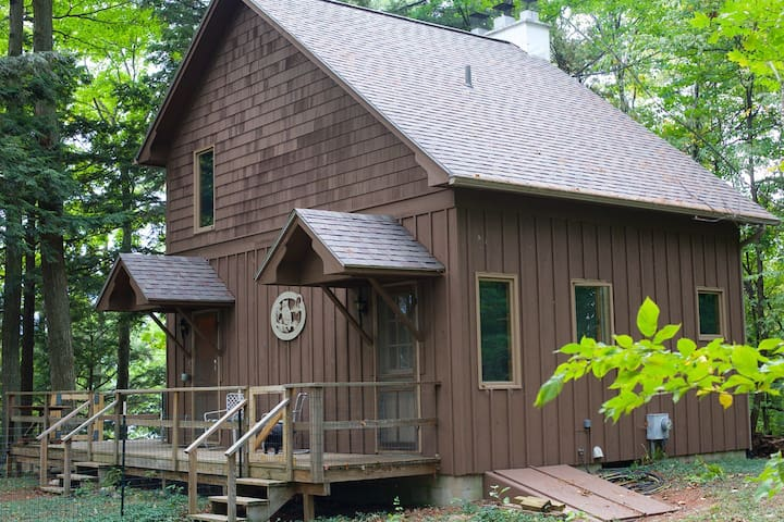 Old Mission Peninsula cabin near Traverse City, Mi