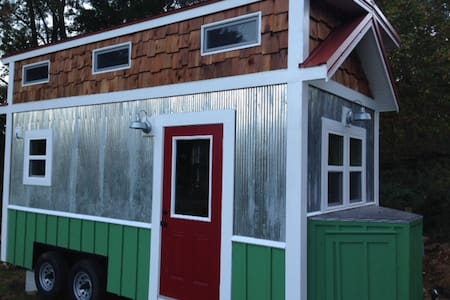 Custom Tiny House in Historic Todd! - Todd - House