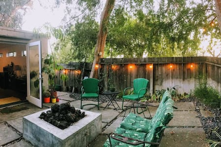 Little Los Angeles Hideaway