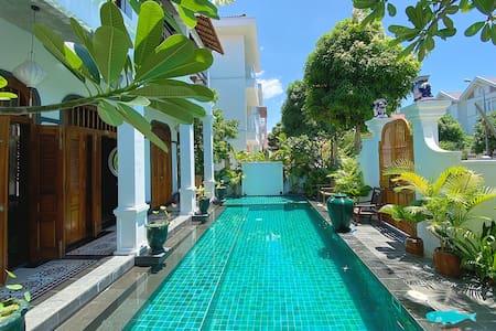 À ƠI AN VIÊN - Old charm, pool and private beach