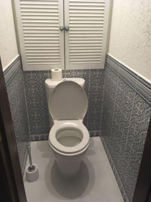 Toilet / туалет