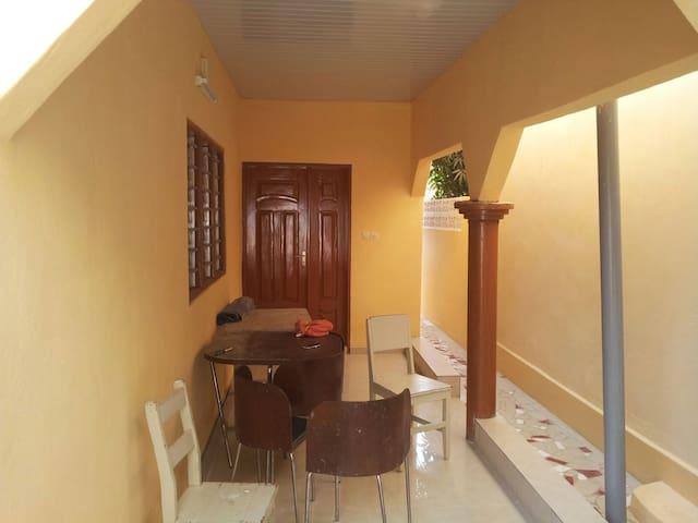 Jolie maison - chambre confortable - Lomé
