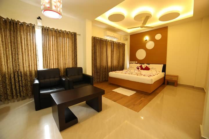 Air conditioned premium room in Kalpetta, Wayanad