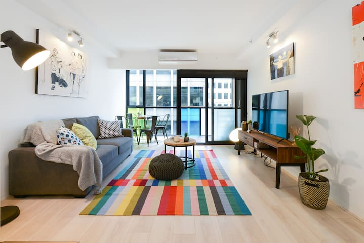 Central CBD Art-Inspired Suite