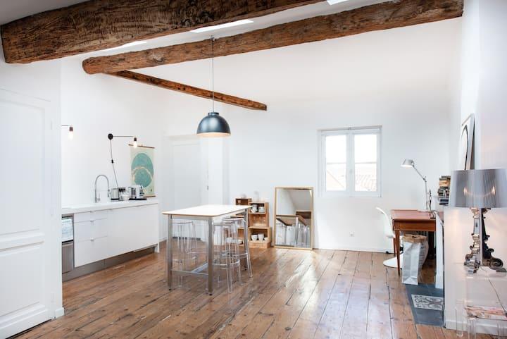 Magnifique studio*** central, calme et lumineux