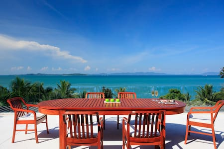Private Beach & Staff: Exceptional Luxury 4B Villa
