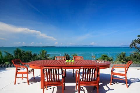 Luxury Beachfront Villa: Pool, Chef & Seaviews