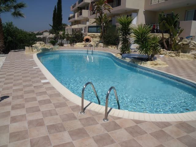 2 bedroom penthouse apartment next to Paphos - Tala - Wohnung