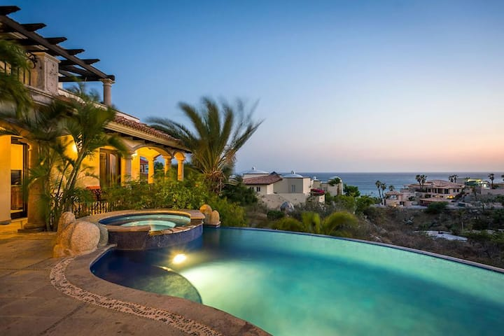 SALE Pedregal Paradise Ocean Views & Infinity Pool