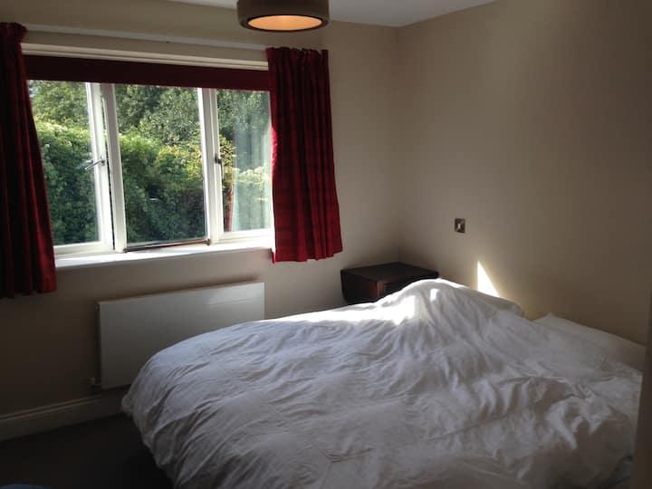 Spotless, quiet, en-suite double room