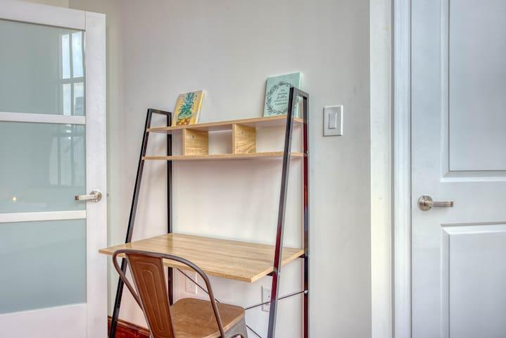 Desk in both bedrooms
