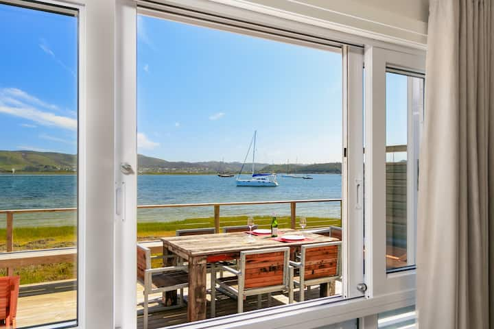 ON THE WATER - THESEN FAIRMILE TOWNHOUSE