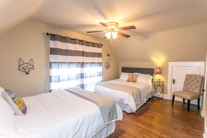 Large Chic Guest Suite in Downtown KC