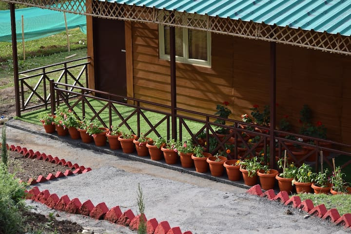 Near Mussoorie Lake  | Deluxe Cottage | StayApart
