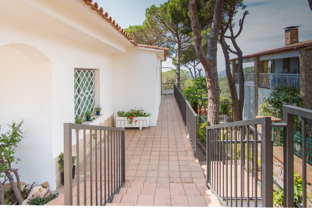 Villa victoria houses for rent in lloret de mar for Villas vida plena cd victoria