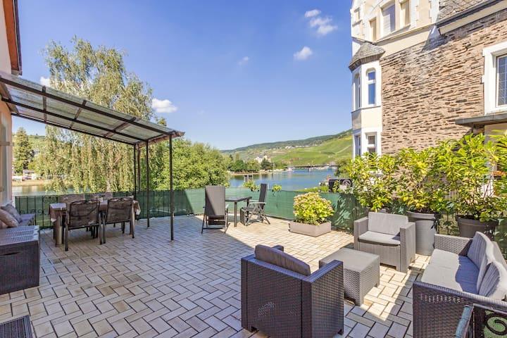 Ferienwohnung mit Moselblick und großer Terrasse - Bernkastel-Kues - Apartment