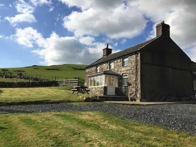 Snowdonia Farmhouse - Gwynedd - Casa