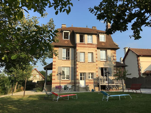 Historic Villa in Normandy - Villers-sur-Mer - Villa