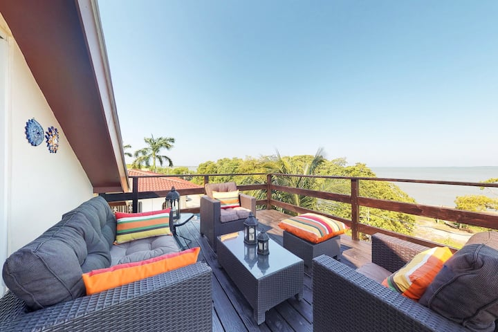 Ocean views from every window! Enjoy a private balcony, central AC & free WiFi!