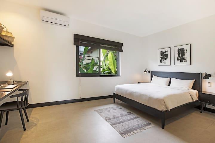 West villa - Master Bedroom 1