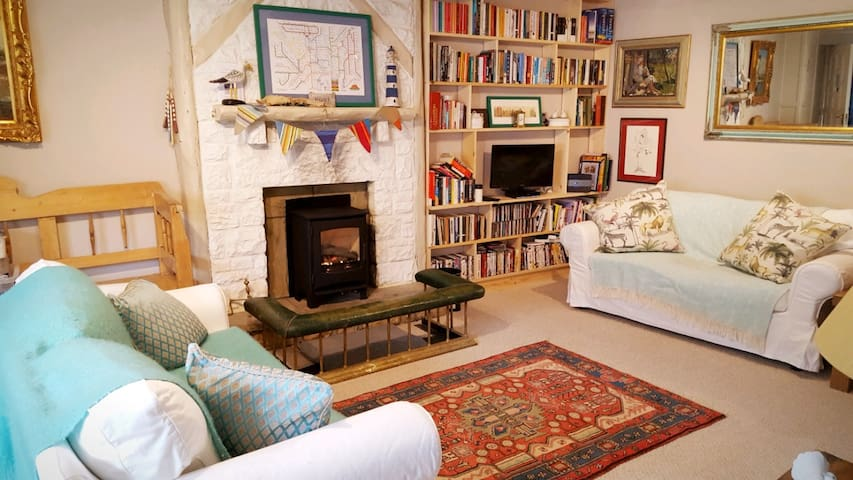 Beautiful Cottage in Historic Warton