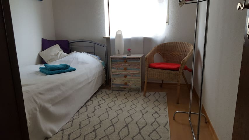 cozy Singleroom to rent in Apartment! only women