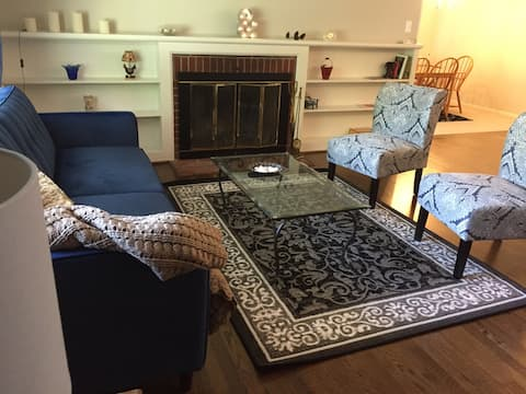 Kent Island Beautiful 4 BR home, central location!