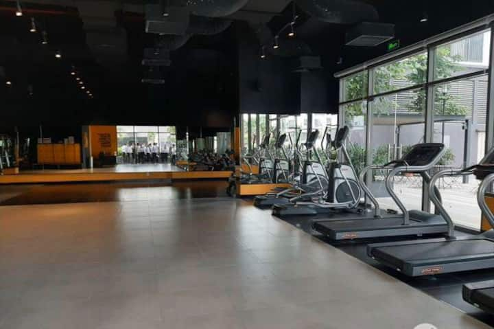 2-bedroom luxury apartment - free gym